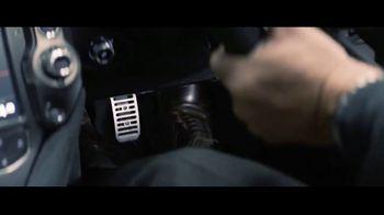 Turo TV Spot, 'Hobbs & Shaw: Make an Entrance' - Thumbnail 3