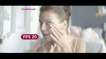 Cicatricure Brightening Face Cream TV Spot, 'Artista' [Spanish] - Thumbnail 7