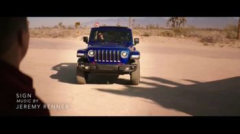Summer of Jeep TV Spot, 'Ride Swap' Featuring Jeremy Renner [T1] - Thumbnail 2