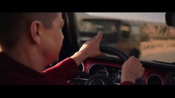 Summer of Jeep TV Spot, 'Ride Swap' Featuring Jeremy Renner [T1] - Thumbnail 8