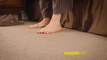 MagniLife Pain Relieving Foot Cream TV Spot, 'Get Relief' - Thumbnail 6