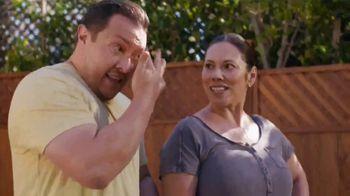 Lowe's TV Spot, 'Doing Summer Right: Miracle Grow Garden Soil' - Thumbnail 5
