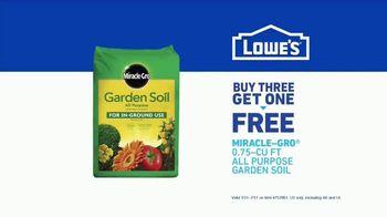 Lowe's TV Spot, 'Doing Summer Right: Miracle Grow Garden Soil' - Thumbnail 7