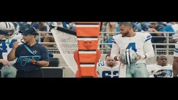 DIRECTV NFL Sunday Ticket TV Spot, 'Closer to the Action' Featuring Dak Prescott - Thumbnail 6