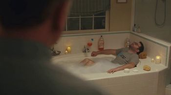XFINITY Internet TV Spot, 'Don't Live With AT&T: Bath Time' - Thumbnail 4