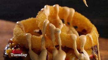 Ruby Tuesday Cheesy Crunch Burger TV Spot, 'Gonna Need a Bigger Mouth'