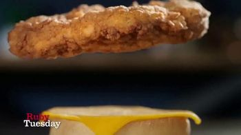 Ruby Tuesday Honey Crunch Chicken Sandwich TV Spot, 'Not Just a Sandwich' - Thumbnail 1