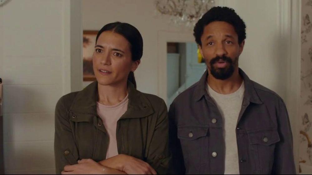 AT&T Internet TV Commercial, 'Just OK: Bed & Breakfast Bundle: $89.99'