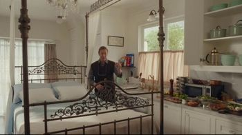 AT&T Internet TV Spot, 'Just OK: Bed & Breakfast Bundle: $89.99' - Thumbnail 4