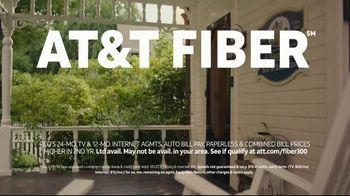 AT&T Internet TV Spot, 'Just OK: Bed & Breakfast Bundle: $89.99' - Thumbnail 7