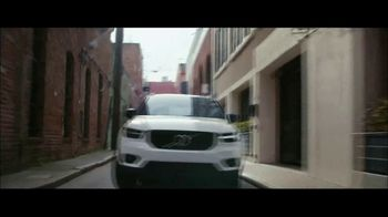 Volvo Summer of Safety Sales Event TV Spot, 'Florist' [T2] - Thumbnail 3
