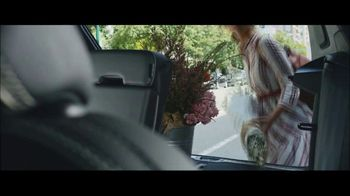 Volvo Summer of Safety Sales Event TV Spot, 'Florist' [T2] - Thumbnail 7