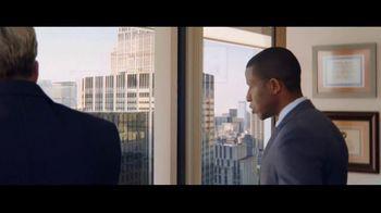 Charles Schwab TV Spot, 'Binoculars: Online Brokers' - Thumbnail 2