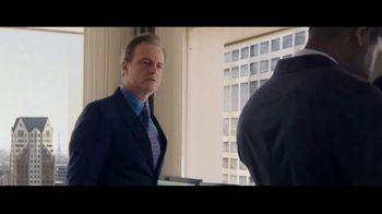 Charles Schwab TV Spot, 'Binoculars: Online Brokers' - Thumbnail 4