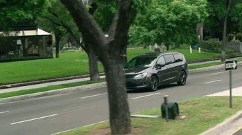 Chrysler Pacifica TV Spot, 'Disney Junior: A Whole New World' [T1] - Thumbnail 7