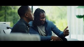 Hulu TV Spot, 'Todd Gurley's New Cat' Featuring Todd Gurley - Thumbnail 6