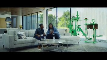 Hulu TV Spot, 'Todd Gurley's New Cat' Featuring Todd Gurley - Thumbnail 7