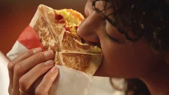 Taco Bell Breakfast Crunchwrap TV Spot, 'Tu despertador' [Spanish] - Thumbnail 7