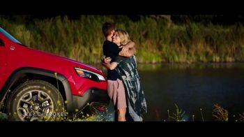 Summer of Jeep TV Spot, 'Cherokee: Connected' Feat. Arielle Vandenberg, Song by Jeremy Renner [T2] - 206 commercial airings