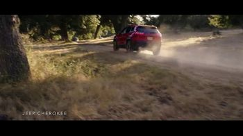 Summer of Jeep TV Spot, 'Cherokee: Connected' Feat. Arielle Vandenberg, Song by Jeremy Renner [T2]