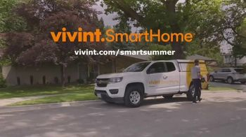 Vivint TV Spot, 'HGTV Smart Home' Featuring Luke Caldwell and Clint Robertson - Thumbnail 9