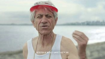 DURACELL Optimum TV Spot, 'Playa x oso' [Spanish] - Thumbnail 3