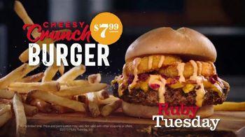 Ruby Tuesday Cheesy Crunch Burger TV Spot, 'Crunchy Goodness'