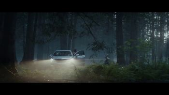 2019 Cadillac XT5 TV Spot, 'Made for Summer' Song by French 79 [T2] - Thumbnail 4