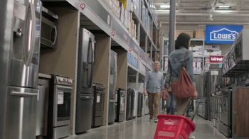 Lowe's Labor Day Savings TV Spot, 'Select Appliances and Valspar Paint' - Thumbnail 1