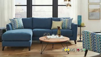 Rooms to Go Summer Sale and Clearance TV Spot, 'Contemporary Sectional' - Thumbnail 3