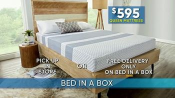 Rooms to Go Summer Sale and Clearance TV Spot, 'Bed in a Box' - Thumbnail 4