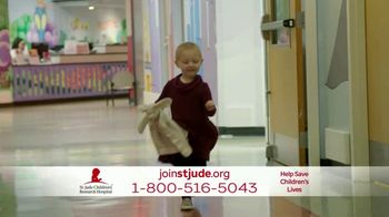 St. Jude Children's Research Hospital TV Spot, 'Family Vacation' - Thumbnail 6