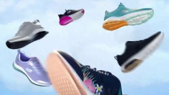 SKECHERS Skech-Air TV Spot, 'Styles That Breathe' - Thumbnail 8