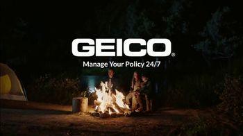 GEICO App TV Spot, 'The Gecko Makes S'mores' - Thumbnail 10