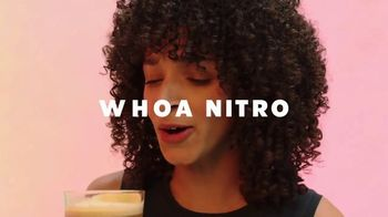 Starbucks Nitro Cold Brew TV Spot, 'Whoa Nitro' Song by Jungle - Thumbnail 9