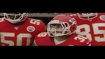 DIRECTV NFL Sunday Ticket TV Spot, 'A Better Way' Featuring Patrick Mahomes - Thumbnail 5