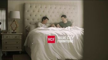 Value City Furniture End of Summer Sale TV Spot, 'Dream Mattress Studio: Dream Plus'