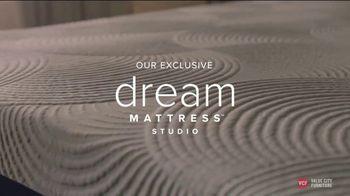 Value City Furniture End of Summer Sale TV Spot, 'Dream Mattress Studio: Dream Plus' - Thumbnail 3
