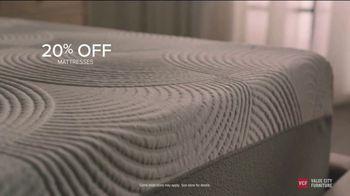 Value City Furniture End of Summer Sale TV Spot, 'Dream Mattress Studio: Dream Plus' - Thumbnail 5