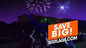 Six Flags Fiesta Texas TV Spot, 'Thrill and Chill: Hurricane Harbor Splashtown' - Thumbnail 5