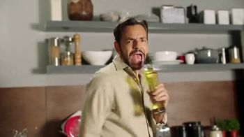 DishLATINO TV Spot, 'Sin cargos ocultos: Netflix' con Eugenio Derbez, canción de Julieta Venegas [Spanish] - 1512 commercial airings