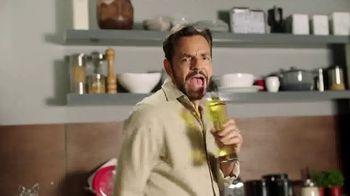 DishLATINO TV Spot, 'Sin cargos ocultos: Netflix' con Eugenio Derbez, canción de Julieta Venegas [Spanish]