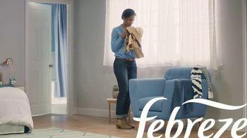 Febreze Clothing TV Spot, 'Quick Refresh' - Thumbnail 1