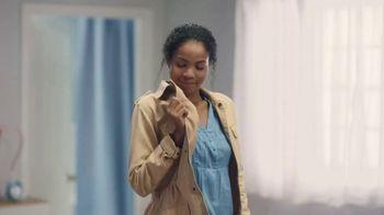 Febreze Clothing TV Spot, 'Quick Refresh' - Thumbnail 7