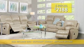 Rooms to Go Summer Sale and Clearance TV Spot, 'Luxurious Living Room Set' - Thumbnail 4