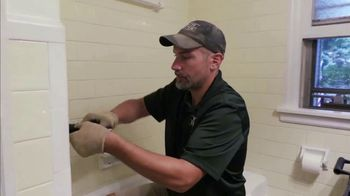 Bath Fitter Labor Day Savings TV Spot, 'Choose Your Deal'