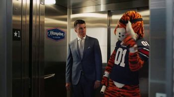 Hampton Inn & Suites TV Spot, 'ESPN: College Football Game Day' Featuring Rece Davis - Thumbnail 2