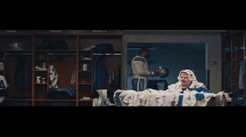 DIRECTV NFL Sunday Ticket TV Spot, 'Laundry Basket' Featuring Dak Prescott - Thumbnail 6