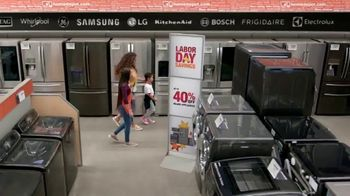 The Home Depot Labor Day Savings TV Spot, 'Juego de cocina de LG' [Spanish] - Thumbnail 4