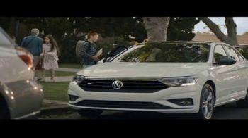 Volkswagen Drive Bigger Event TV Spot, 'Drop Off' [T2] - Thumbnail 3